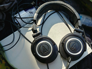 Audiotechnica atx50 s 1 year old