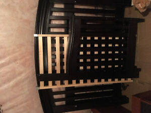 Baby crib/ from Toys r us/Canadian made/excellent condition