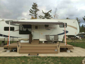2009 Bristol Bay 5th wheel