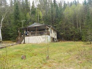 Chalet a La Tuque situé  bord du lac turcotte , 3 saisons