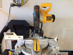 "Dewalt 10"" Miter Saw and Stand (DW713)"