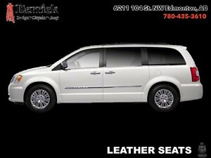 2013 Chrysler Town  Country   Touring-L 7 Pass  2 pwr Sliding Dr