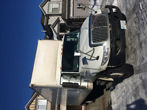 5ton 2010 international 28ftL 103h Automatic with job low Km