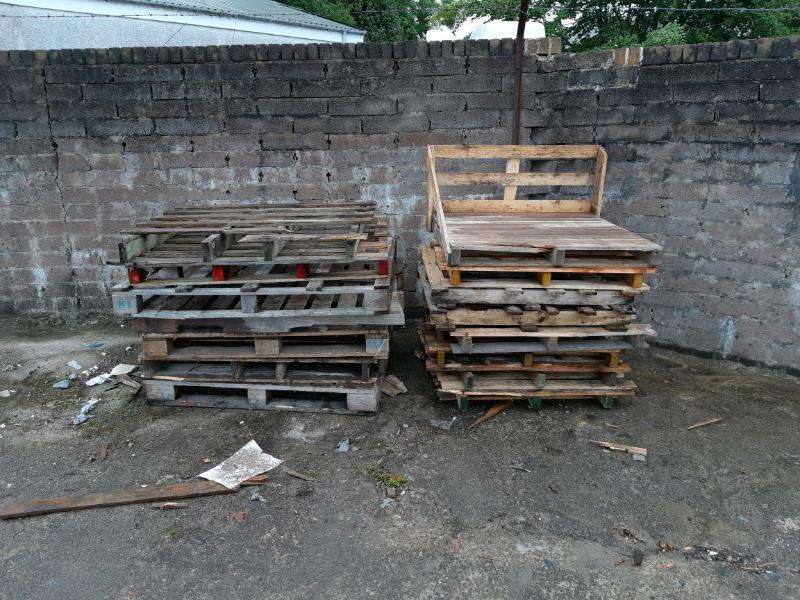 FREE fire wood.. pallets | in Hengoed, Caerphilly | Gumtree