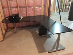 Excellent condition IKEA computer table