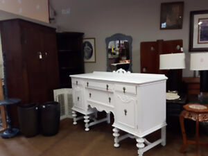 ANTIQUE CHALK PAINTED SIDEBOARD BUFFET / VANITY DRESSER