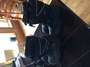 Size 12 and size 1 kids winter boots in great shape. 20 per pair