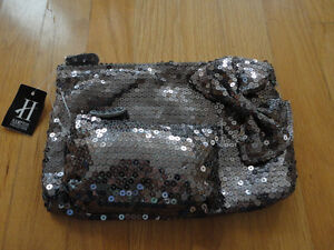 Brand new with tag set of 2 silver sequin bow front clutch purse London Ontario image 1