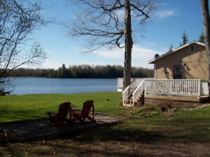 2 bdrm, lakefront Cottage - rent weekly - Eastern Ontario - wifi