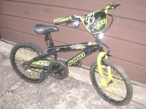 "Very lightly used Youth/Kids  20"" Avigo Electroshock Bike,excell"