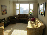 DOWNTOWN, SUNNY HOUSE, FURNISHED RM, WALK TO TOWN, MARCH NOW