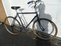 RALEIGH ANTIQUE BIKE