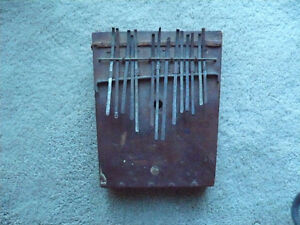 VERY OLD AFRICAN FINGER PIANO