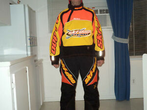 bombardier skidoo  racing suit              jacket  XL   pants L