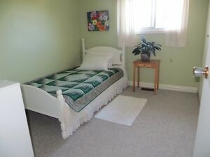 Attention Students- Room to Rent in house