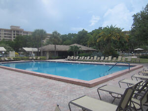 Spacious Condo  Pompano Beach,Ft Lauderdale on  golf course