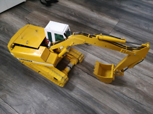 Fully metal, real hydraulic RC excavator