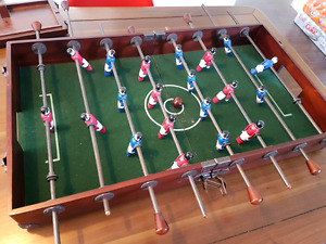 Table top, suitcase foosball table