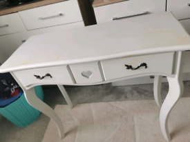White dressing/console table