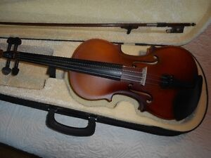1/2 SIZE VIOLIN / FIDDLE