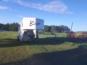 2013 Bison horse trailer