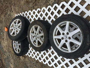 205/60/16 . HONDA RIMS +TIRE