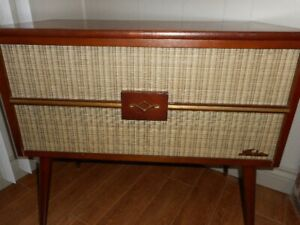 Early 1950's Shelburn radio/ record player