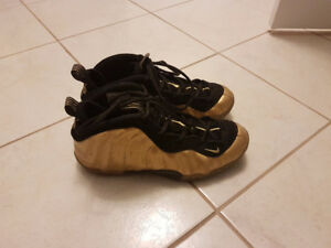 NIKE AIR FOAMPOSITE ONE METALLIC GOLD (Condition 7/10)