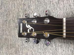 Yamaha Acoustic Guitar Cambridge Kitchener Area image 3