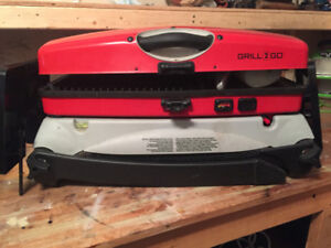 Thermos Portable Grill on Stand -  Very Good Condition