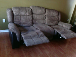 Recliner fouton  for sale almost like new.