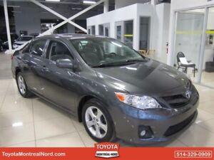 Toyota Corolla LE + Toit 2012