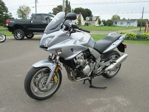 HONDA CBF 1000 WITH 895 KM YES 895 KM LIKE NEW TRADE WELCOME