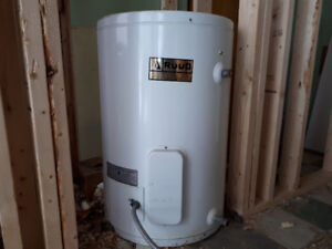 25 gallon hot water tank