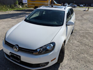 2013 Volkswagen Golf Wagon TDI (diesel) Manual Highline 40,600KM