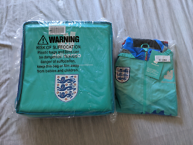 Deliveroo x FA Delivery Bag & Jacket (M)