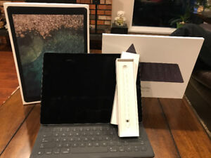 Space Grey Ipad Pro 12.9 256GB With Smart Keyboard and Apple Pen