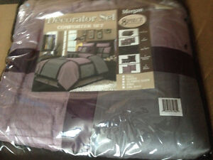King size 12. Pc Bedding
