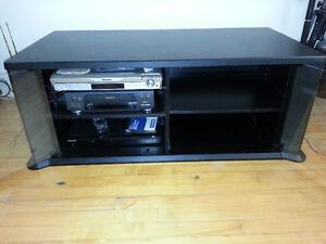 Meuble TV, Noir avec vitre avant ouvrante 46''x18''x22''