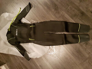 Brand new Zone3 advance wetsuit mens XL