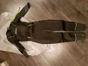 Brand new Zone3 advance wetsuit mens XL