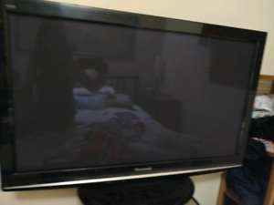 Panasonic plasma TV 42inch with remote