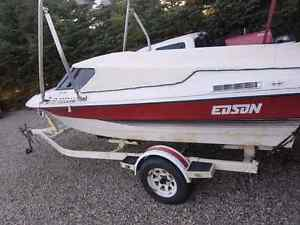 Edson Sunsport Ski and fish boat