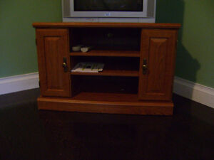 """OAK TELEVISION STAND  """"FINAL MARKDOWN"""""""