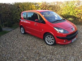 Peugeot 1007 Auto sport with very low mileage