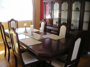 DINNING ROOM TABLE WITH CHAIRS West Island Greater Montréal image 1