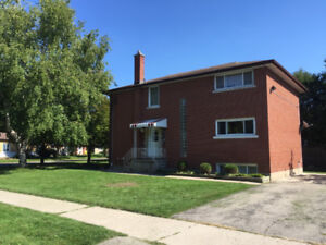 2 bedroom in triplex, Highland and Belmont