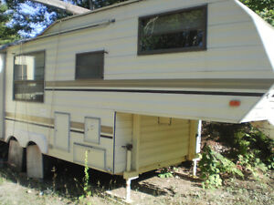 Bonair 5th Wheel Trailer