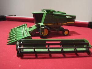 John Deere 9600 toy combine
