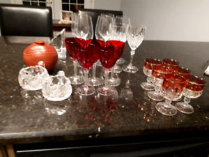VARIOUS GLASSWARE FOR SALE